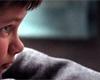 Tiché doteky: systematická manipulace v sektářské rodině [recenze filmu]