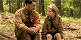 Králíček Jojo: satirická komedie o indoktrinaci s imaginárním Adolfem Hitlerem [recenze filmu]