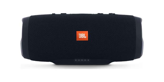 JBL Charge 3 Stealth Edition: Bluetooth reproduktor s řádnými spodky [test]